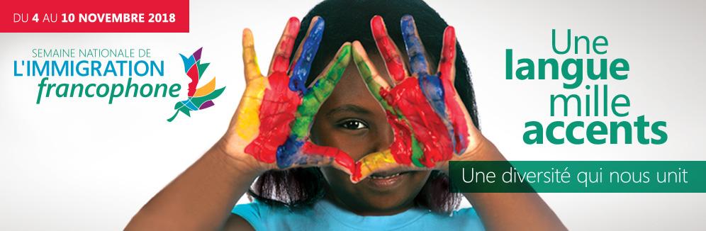 Fille-mains-peinture-immigration